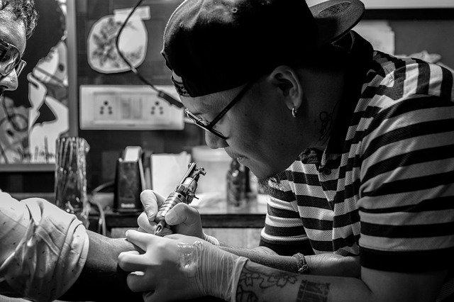 tetování ruky