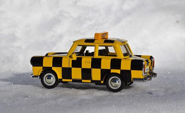model taxi trabantu