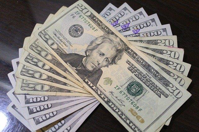 dolarové úspory