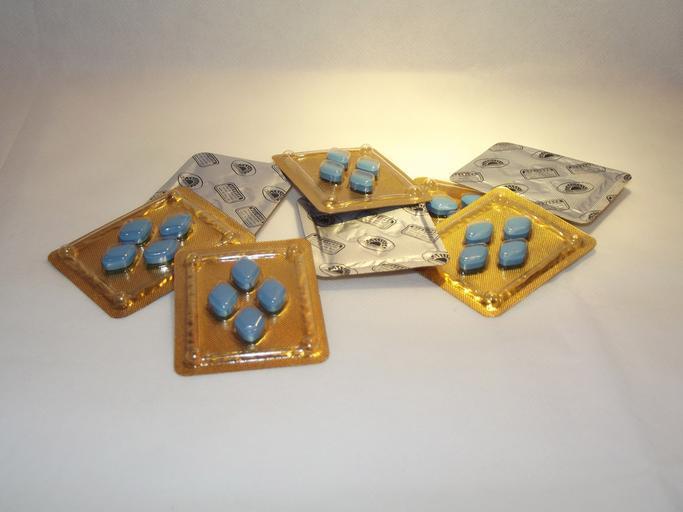 modré pilulky.jpg