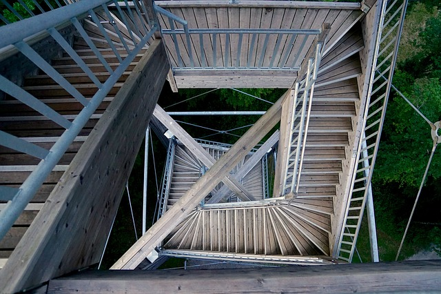 zábradlí na schodišti.jpg