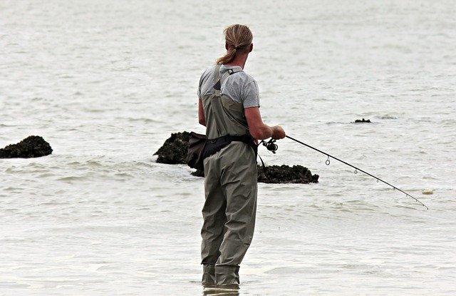 rybář u vody.jpg