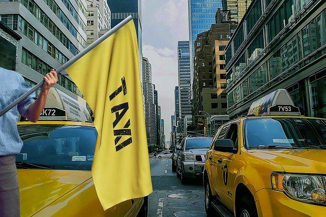 taxi v ulicích